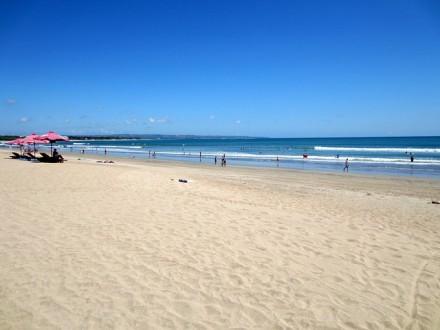 Pantai Kuta Bali - BaliWisataTravel.com
