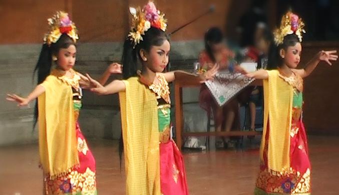 tari bali - puspanjali - BaliWisataTravel.com