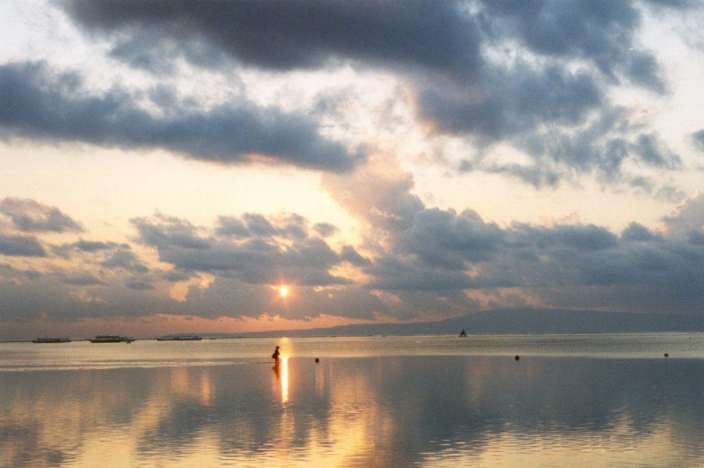 Pantai Sanur - bali-sunrise- BaliWisataTravel.com